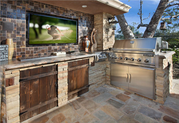 Superbe Outdoor Living Kitchen And BBQ