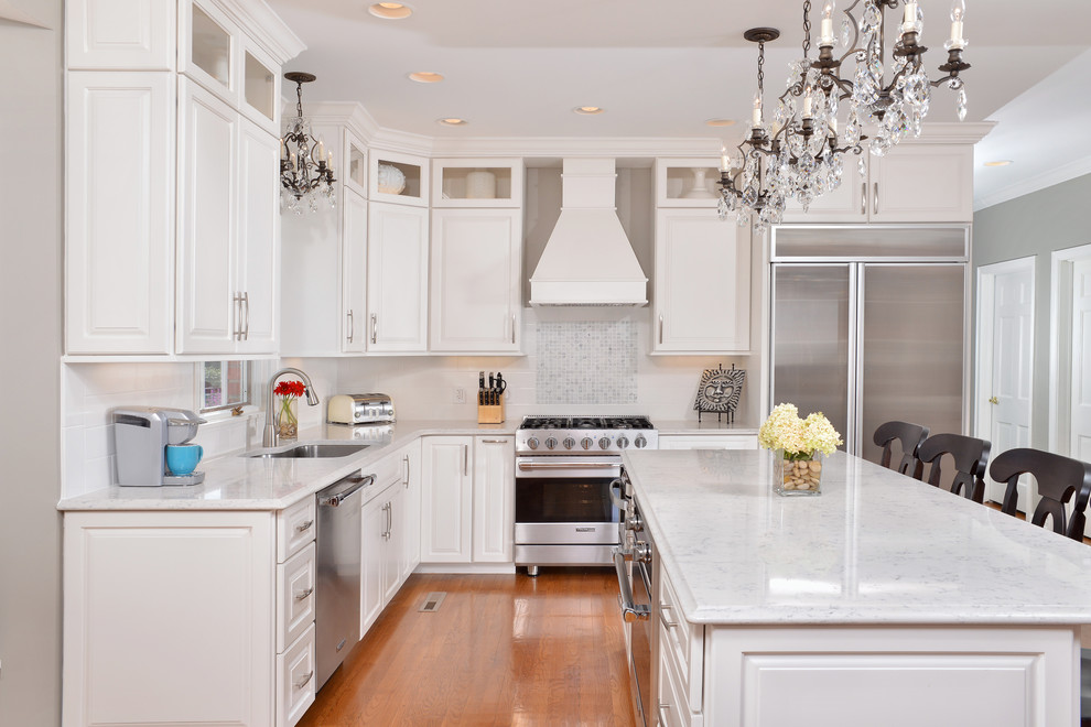 Gray Kitchen Cabinets Quartz Tops