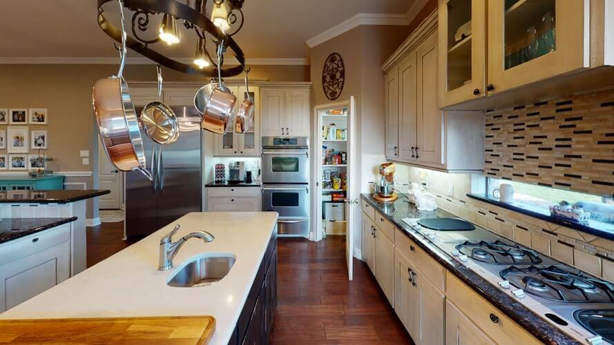 Counter Tops – Clean, Shiny, Inviting: Choosing the Best One  in Laguna Hills