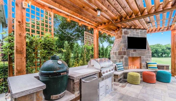 outdoor living in Laguna Hills